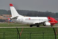 B_737-33S_LN-KKX_Norwegian_no_01.jpg