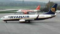 B_737-8AS_EI-DAY_Ry_01.jpg