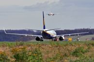 B_737-8AS_EI-ESY_Ryanair_01.jpg