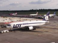 B_767-25DER_SP-LOA_LOT_01.jpg