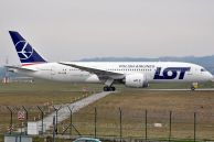 B_787-85D_Dreamliner_SP-LRB_LOT_15.jpg
