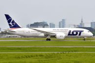 B_787-85D_Dreamliner_SP-LRC_LOT_00.jpg