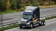 Freightliner_CL_Columbia_Jevic2371501.jpg